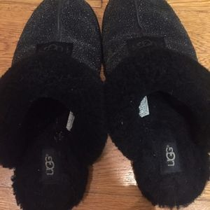 Black sparkly Ugg slippers size 9